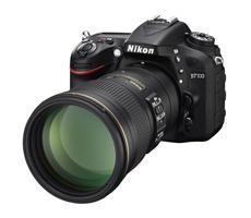 D7100에 AF-S NIKKOR 300mm f/4E PF ED VR을 마운트한 제품 이미지